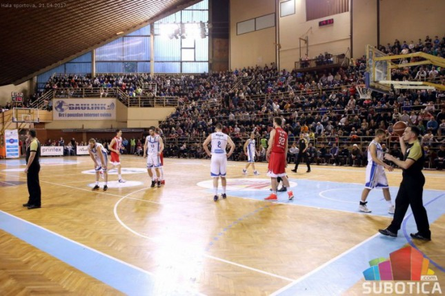 Košarkaši Spartaka izgubili od Crvene zvezde na startu Superlige (54:89)