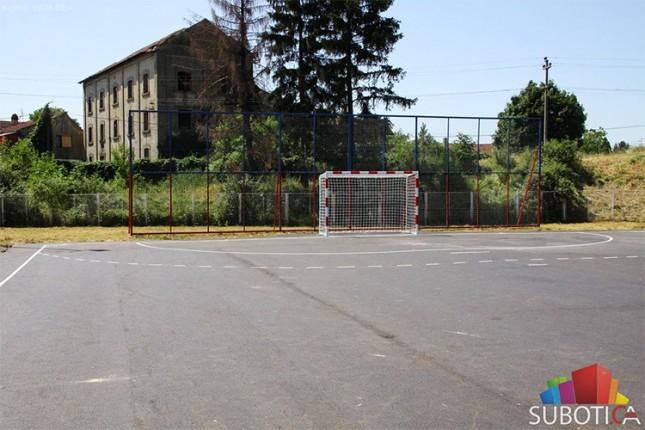 Renoviranje sportskih terena u Bajmoku