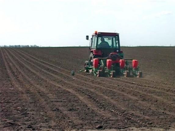 Poljoprivrednicima avansno subvencije