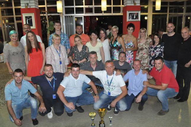 """Rukomet: Veteranke """"Stare škole"""" prve na turniru u Goraždu, veteranima pehar za ferplej"""