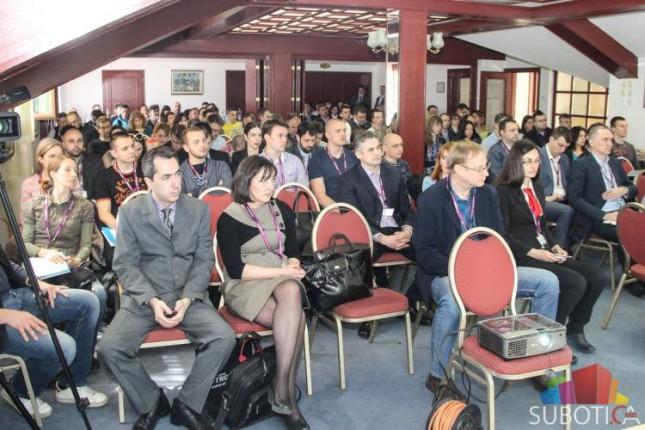 Otvoren 15. seminar o elektronskoj trgovini #E-trgovina 2015