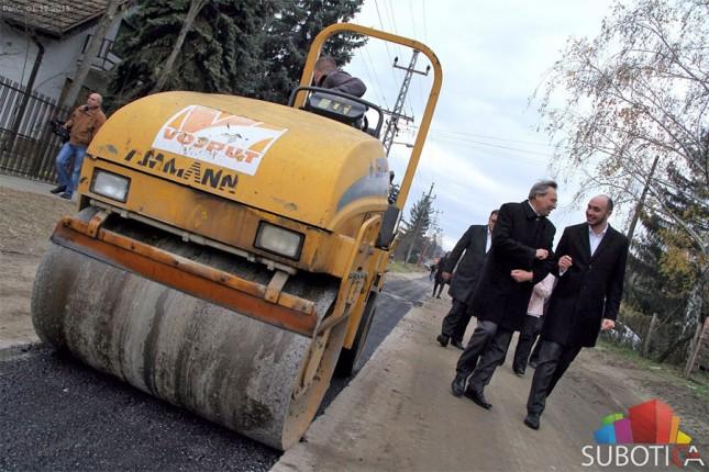 """Obilazak radova na izgradnji kanalizacione mreže na Paliću i radova na sanaciji MKC """"Nepker"""""""