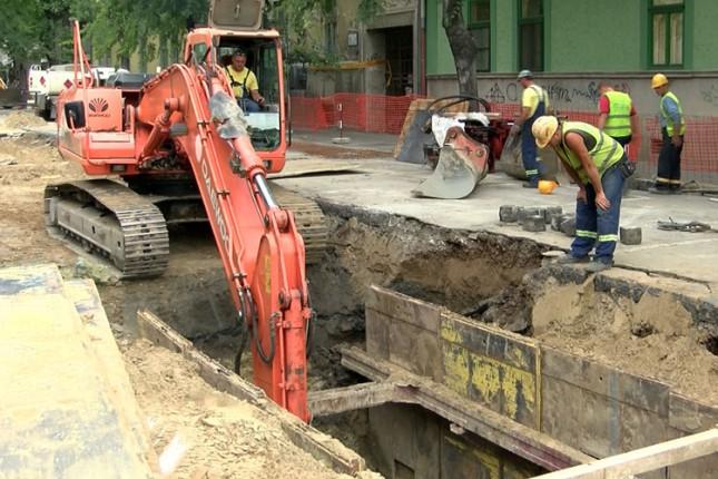 Sutra bez vode više ulica u širem centru grada