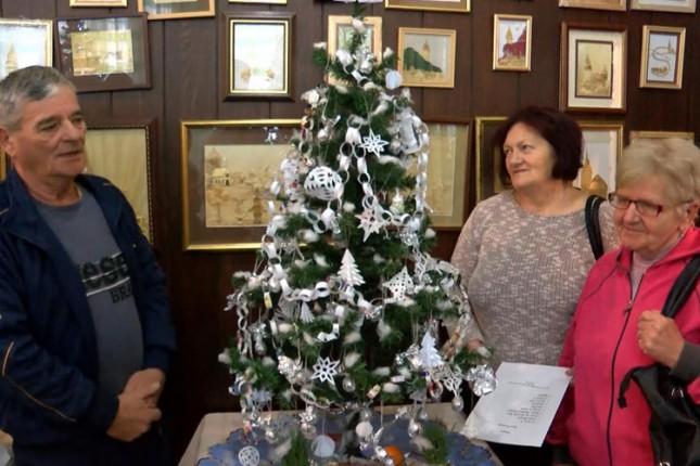 Održano takmičenje za najlepšu božićno-novogodišnju jelku
