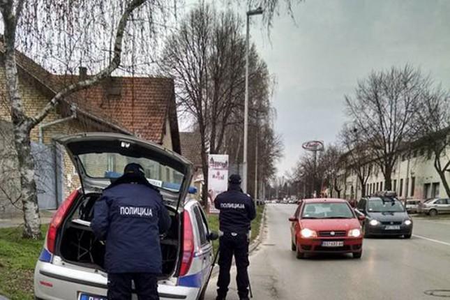 Za 7 dana izdato 312 prekršajnih naloga, pet vozača isključeno iz saobraćaja