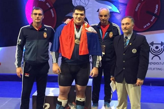 Tamaš Kajdoči juniorski vicešampion Evrope u dizanju tegova