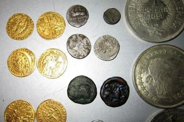 Na Horgošu zaplenjena veća količina numizmatičkih predmeta