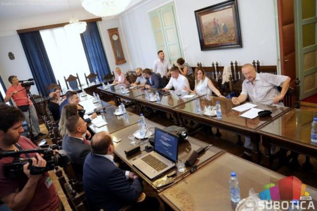 Sudski izvršitelji iz Mađarske predstavili sistem e-aukcija
