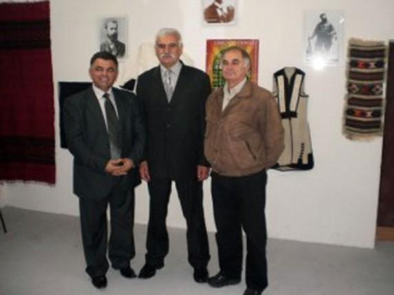 Otvorena izložba makedonske narodne nošnje i slika