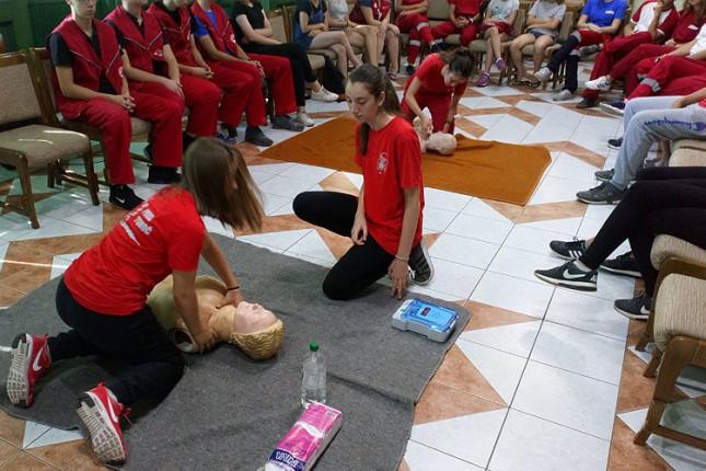 Zajedničke pripreme ekipa Crvenog krsta iz Subotice i Niša za republičko takmičenje
