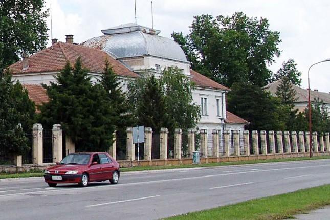 """Kasarna """"Kosta Nađ"""" za 3 miliona evra prelazi u vlasništvo Grada Subotice"""