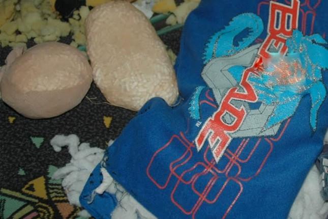 Majka i sin u čarapama krijumčarili pola kile ekstazija