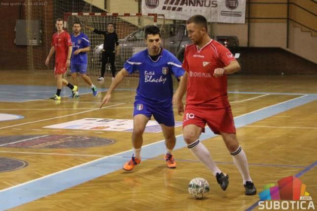 Počeo 45. Novogodišnji turnir u malom fudbalu, odigrano 14 mečeva