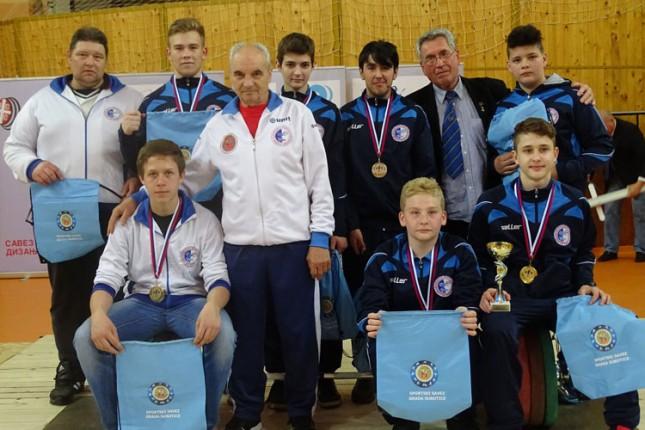 Dizanje tegova: Spartak U17 srebrnog sjaja na Prvenstvu Srbije u Somboru
