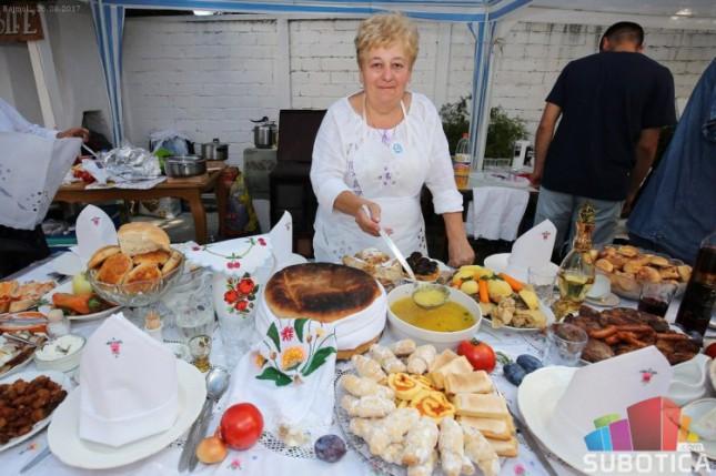 Održan tradicionalni Festival bunjevačkih jela u Bajmoku