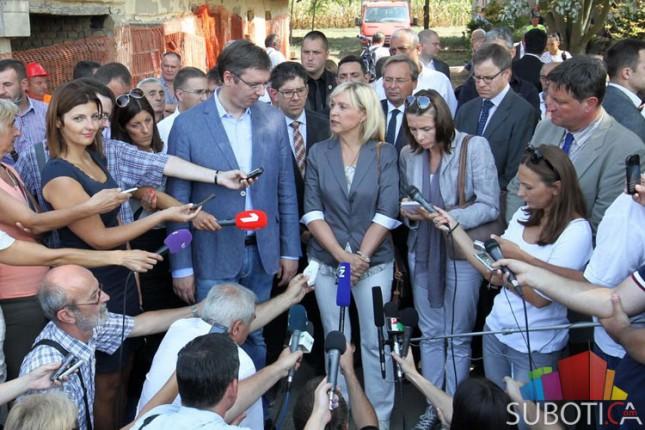 Premijer Srbije obišao novu lokaciju za smeštaj migranata u Subotici