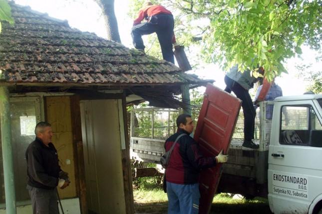 Nastavlja se rušenje nelegalnih objekata na Vikend naselju na Paliću
