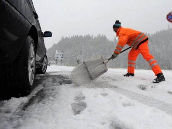 Oprez u saobraćaju zbog snega