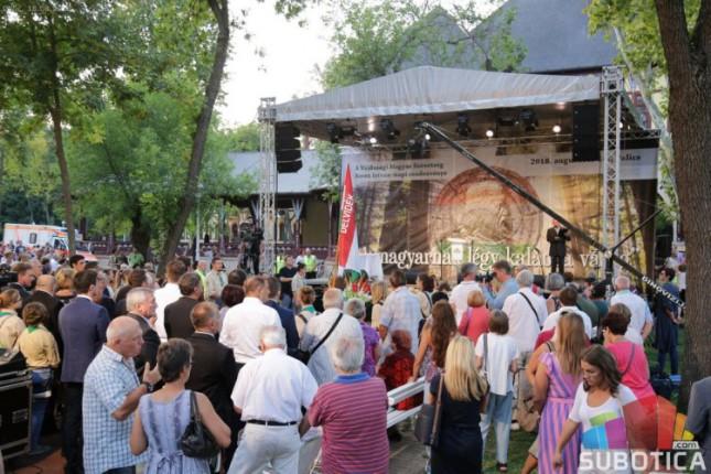 Obeležavanje mađarskog nacionalnog praznika na Paliću, promena trasa autobusa u subotu