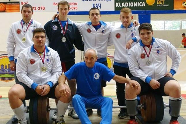 Dizačima tegova Spartaka ekipno prvo mesto na Prvenstvu Srbije u Baču