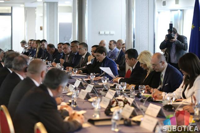Održana zajednička sednica Vlada Srbije i Mađarske