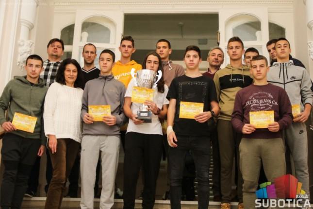 Učenici Hemijske škole izborili plasman na Svetsko prvenstvo u futsalu