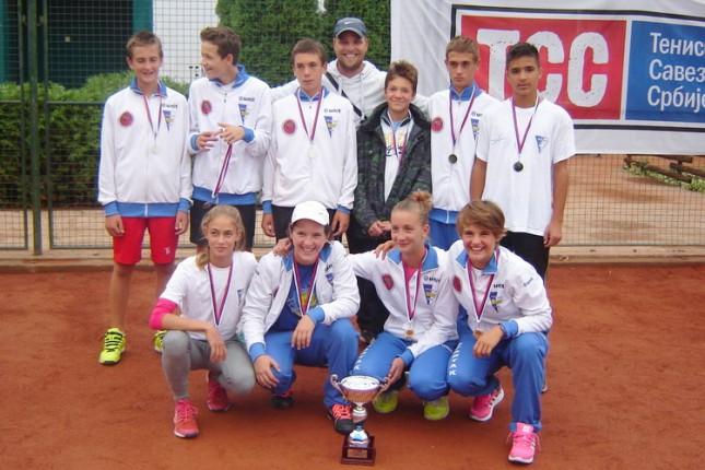 Teniserke Spartaka (U14) šampionke Srbije, teniseri vicešampioni