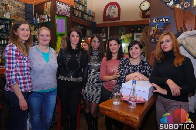 Sakupljanje slatkiša i igračaka za praznične paketiće deci na Kosovu i Metohiji