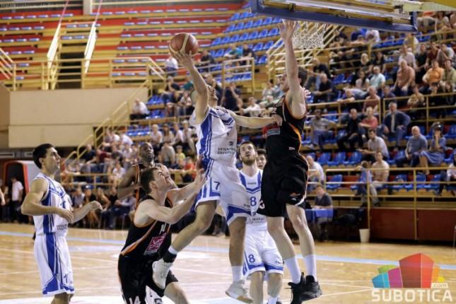 Košarkaši Spartaka poraženi od Dinamika (73:83)