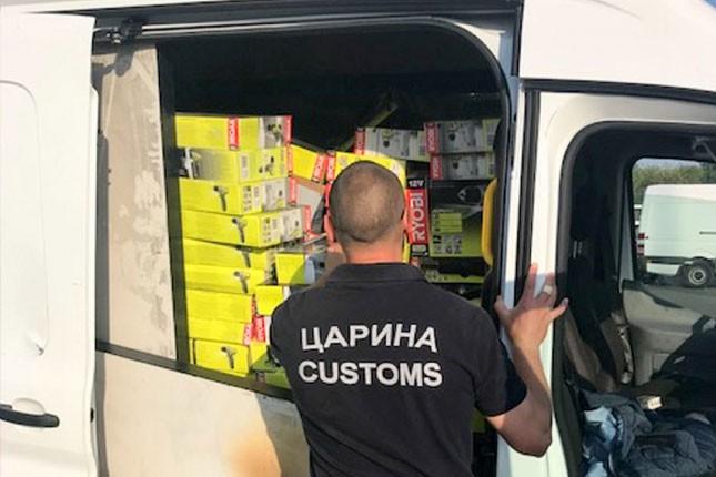 Sprečen pokušaj krijumčarenja većeg broja mašina i alata na Horgošu