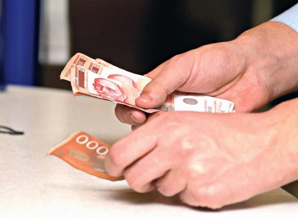 Lavina nezadovoljstva u javnim preduzećima zbog Zakona o maksimalnim zaradama