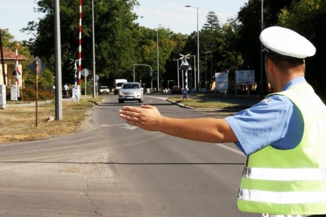 Saobraćajna policija sankcionisala 135 i isključila iz saobraćaja 5 vozača
