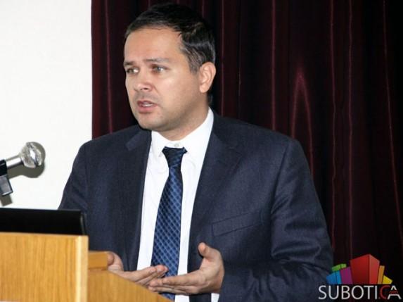 Stevanović: 2014. godine bez fascinantnog privrednog rasta