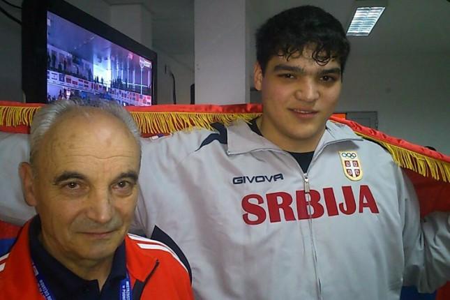 Dizač tegova Spartaka Tamaš Kajdoči na Olimpijskim igrama mladih