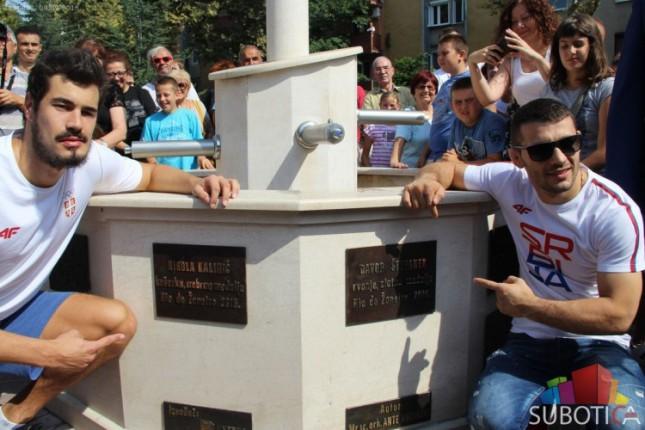 Štefanek i Kalinić na Olimpijskoj česmi