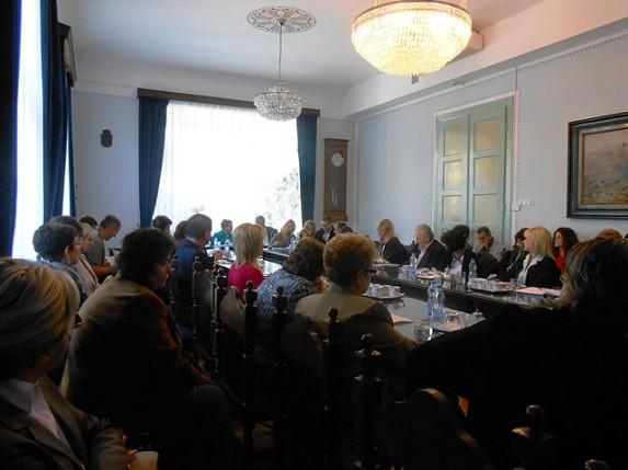 Sastanak direktora osnovnih i srednjih škola i Kancelarije za mlade Grada Subotice