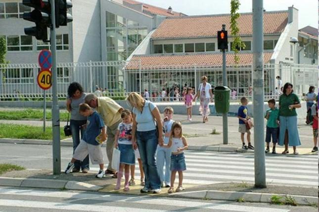 SBS: Deca treba da se upoznaju sa pravilima u saobraćaju