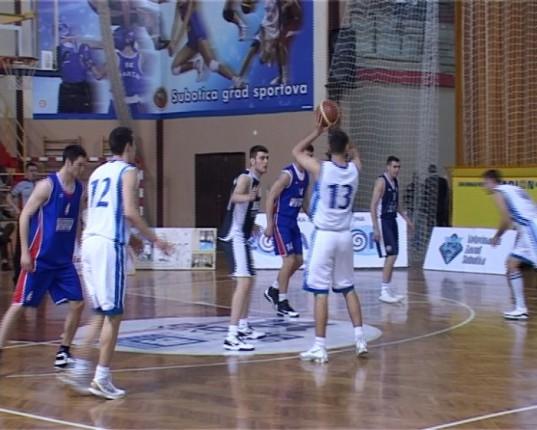 Pobeda košarkaša, poraz košarkašica