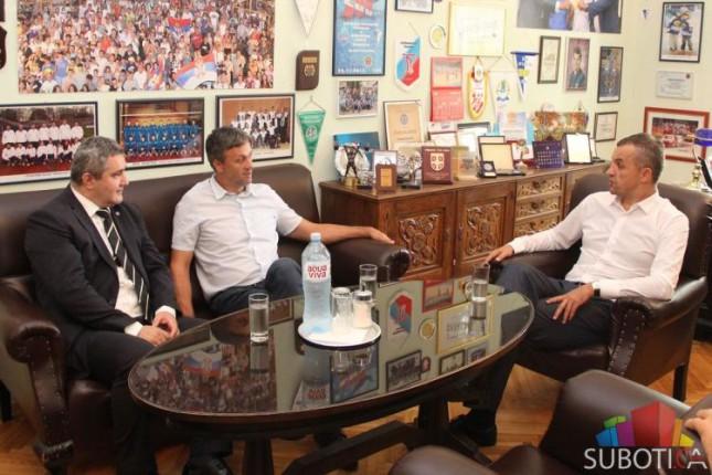 Pokrajinska vlada će pomoći izgradnju i renoviranje sportskih terena u Subotici