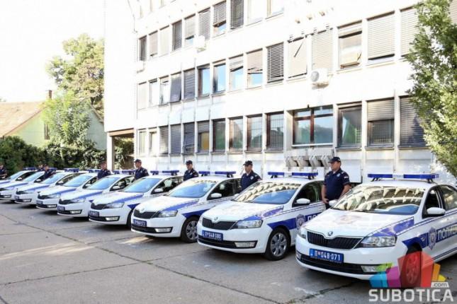 Subotička policija dobila 17 novih automobila
