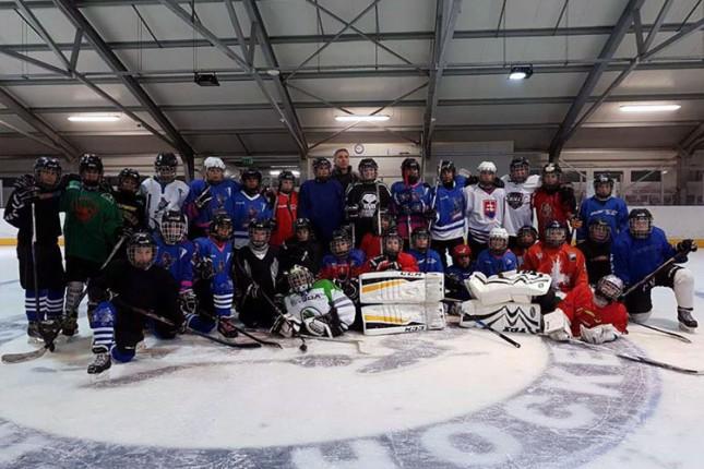 Hokejaši Spartaka već uveliko igraju na ledu, u iščekivanju ledene ploče na Gradskom klizalištu