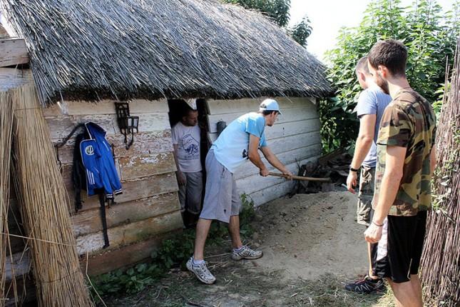 Kuća od slame i blata – prošlost ili budućnost?