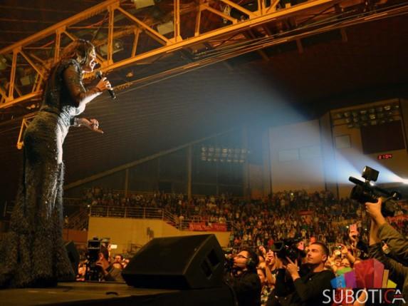 Ceca održala koncert pred više od 3.500 obožavalaca