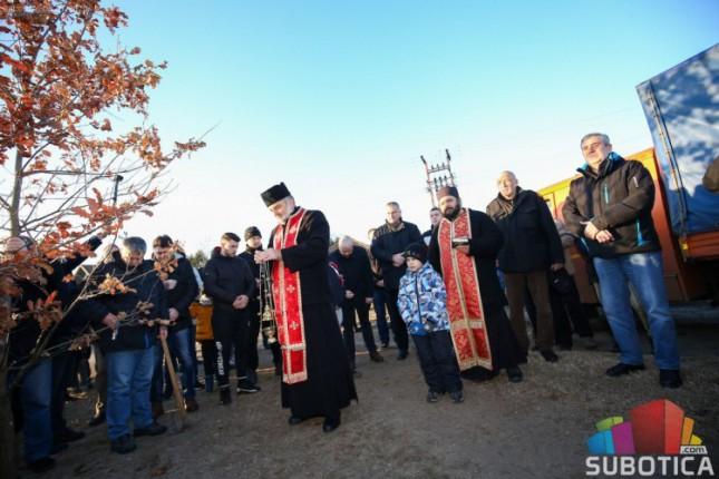 Tradicionalni odlazak po badnjak na Badnje jutro