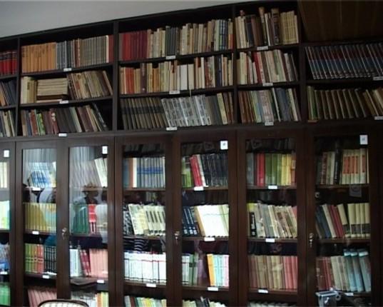 Poklonjeno 800 knjiga Gerontološkom centru