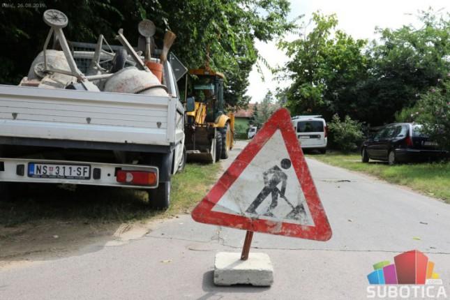 Više ulica na Paliću u narednih mesec dana zatvoreno zbog izgradnje kanalizacije