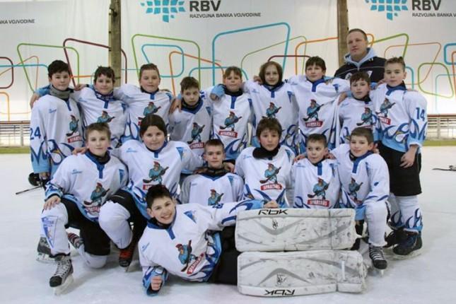 Hokejaši Spartaka (U12) po prvi put nastupili sa devojčicom na prvenstvenoj utakmici
