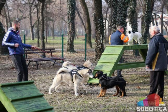 Otvoreni parkovi za pse u Dudovoj šumi i na Prozivci