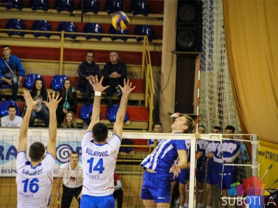 Pobeda odbojkaša Spartaka u prvoj utakmici playout-a (3:0)