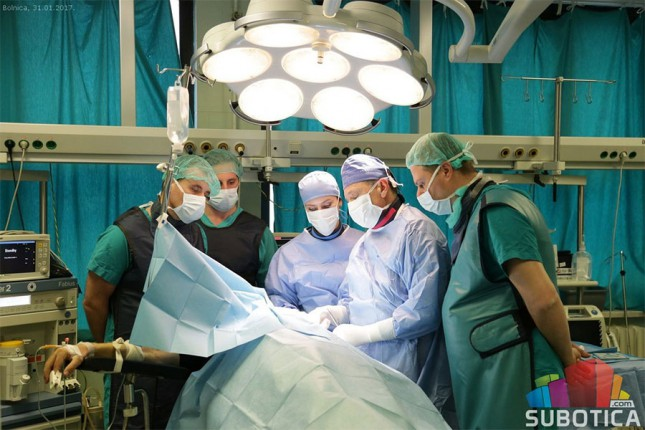 U Bolnici izvršena ugradnja posebnih oblika pejsmejkera